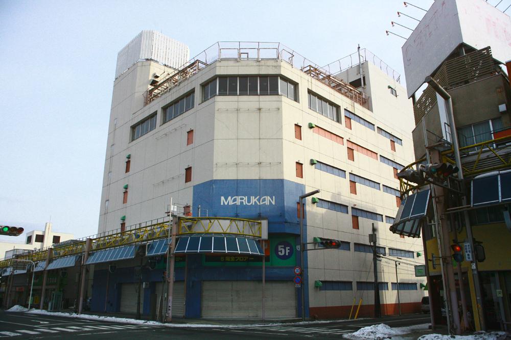 マルカン百貨店の外観