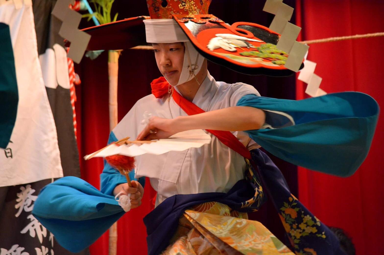 高橋滉太さんの演舞